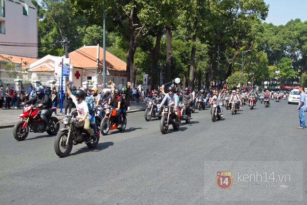 Màn cầu hôn bất ngờ của chàng trai trong hội Biker Sài Gòn 12