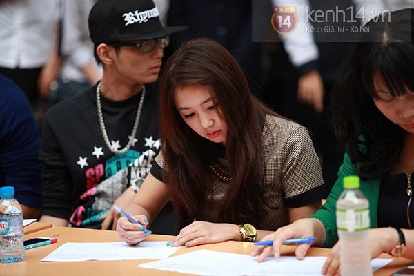 Sa Lim cực xinh làm giám khảo casting cho teen Phan Đình Phùng 10