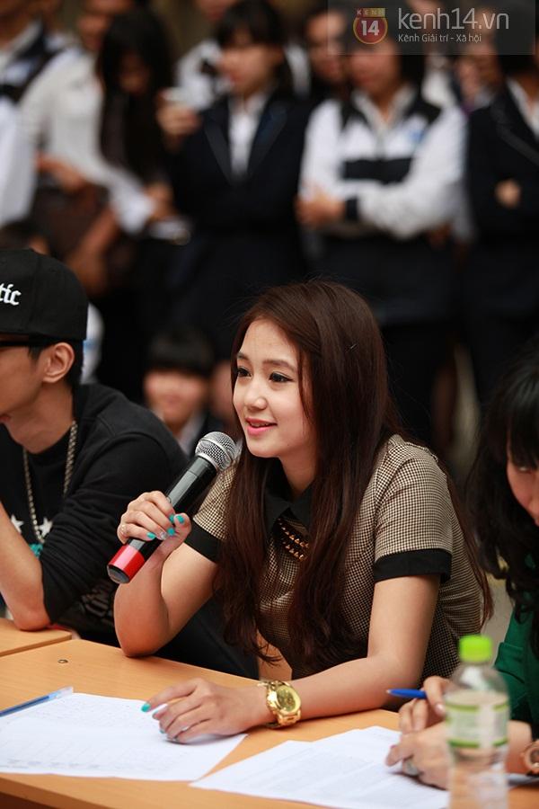 Sa Lim cực xinh làm giám khảo casting cho teen Phan Đình Phùng 4