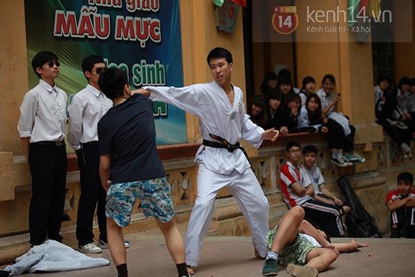 Sa Lim cực xinh làm giám khảo casting cho teen Phan Đình Phùng 6