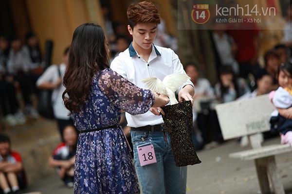 Sa Lim cực xinh làm giám khảo casting cho teen Phan Đình Phùng 7
