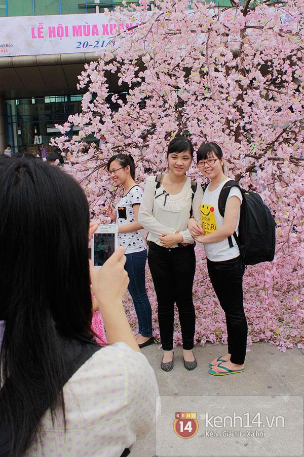 Giới trẻ Hà thành sôi động cùng lễ hội hoa anh đào 14