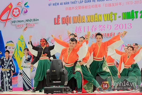 Giới trẻ Hà thành sôi động cùng lễ hội hoa anh đào 23
