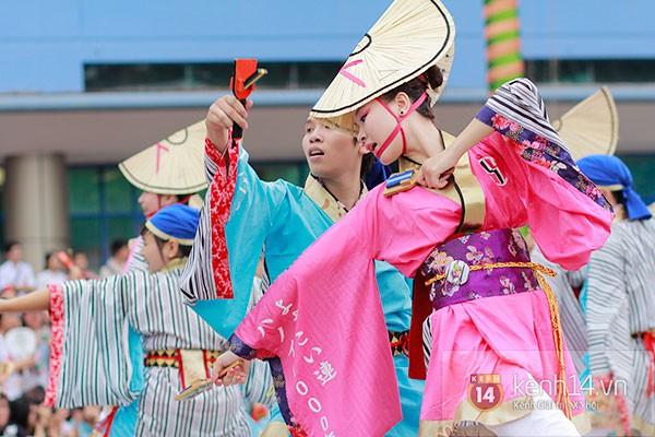 Giới trẻ Hà thành sôi động cùng lễ hội hoa anh đào 26