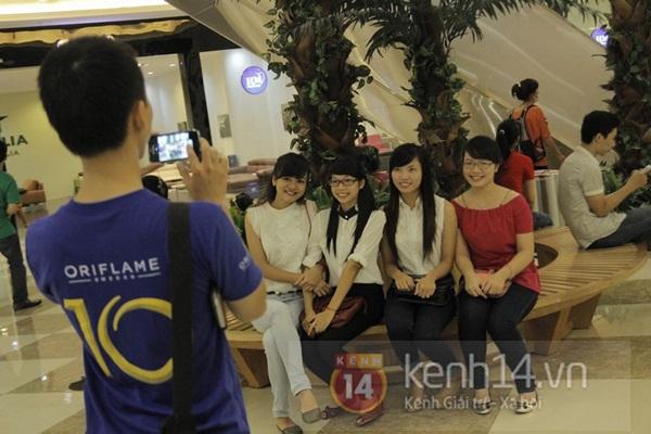 Teen Hà Thành đổ xô đến trung tâm mua sắm dưới lòng đất dịp cuối tuần 4