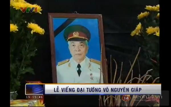 Hết giờ Lễ viếng Quốc tang, nhiều người dân vẫn xếp hàng vào viếng Đại tướng 165