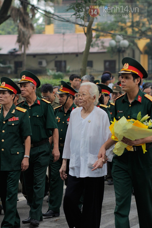 Toàn cảnh hàng trăm nghìn người đến viếng Đại tướng trong ngày cuối cùng 26