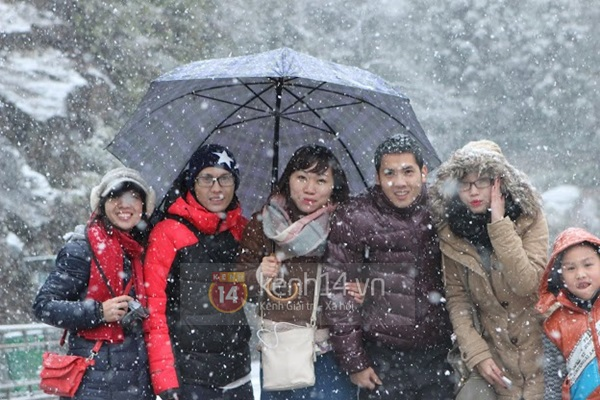 Chùm ảnh hot: Tuyết rơi dày, phủ trắng Sa Pa 8