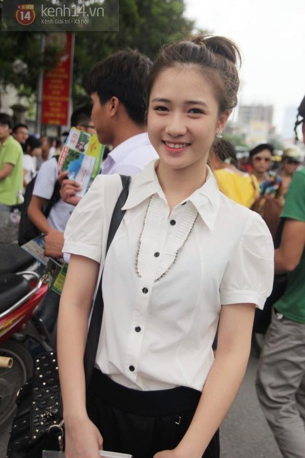 Ngắm hot girl Việt mặc đồng phục giản dị nhưng vẫn cực xinh 12
