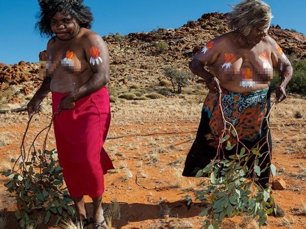 Cộng đồng 50.000 tuổi sống nguyên thủy giữa xã hội hiện đại 14