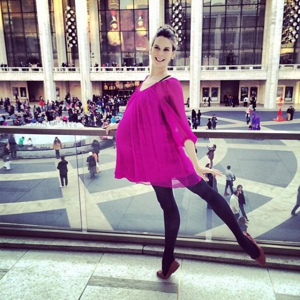 Hình ảnh múa ballet cho thấy sự kì diệu của quá trình mang thai 9