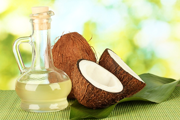 """""""Đại chiến"""" về công dụng giữa dầu oliu và dầu dừa 1"""