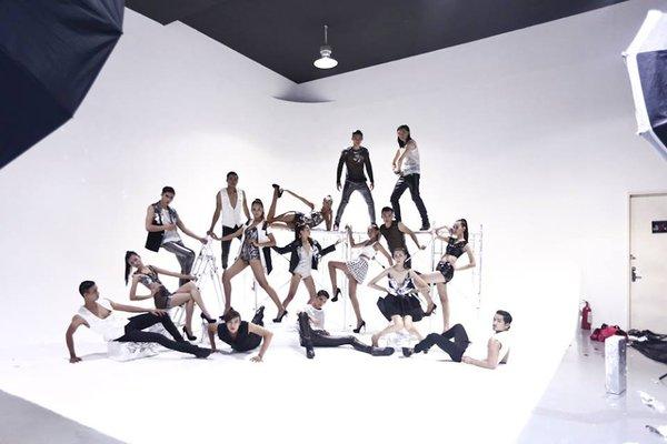 """Next Top Model: Nam Trung liên tục """"công kích"""" thí sinh từ tập đầu 27"""