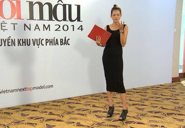 """Next Top Model: Nam Trung liên tục """"công kích"""" thí sinh từ tập đầu 18"""