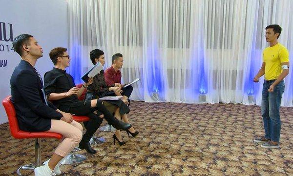 """Next Top Model: Nam Trung liên tục """"công kích"""" thí sinh từ tập đầu 13"""