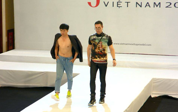 """Next Top Model: Nam Trung liên tục """"công kích"""" thí sinh từ tập đầu 2"""