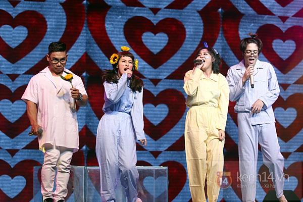 """Bùi Anh Tuấn, Văn Mai Hương... """"hóa điên"""" với hit Bảo Anh 2"""