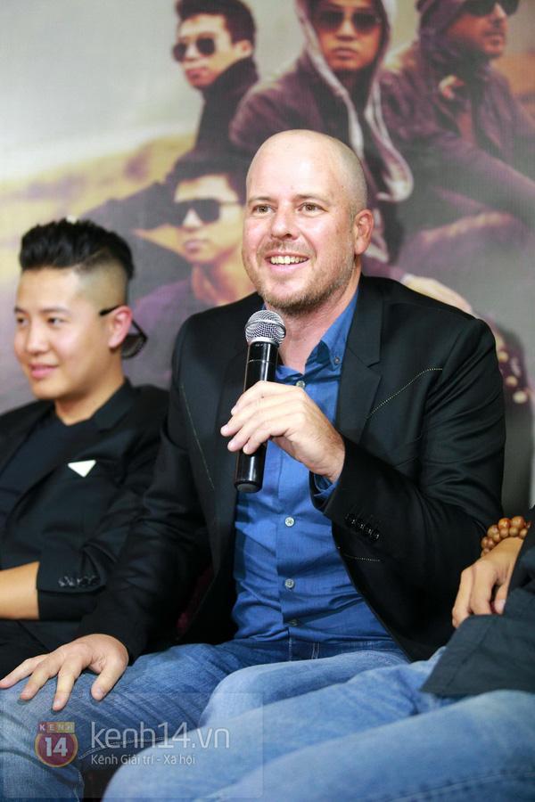 Thiện Thanh cùng bố đi ra mắt album, liveshow Ngũ Cung 12