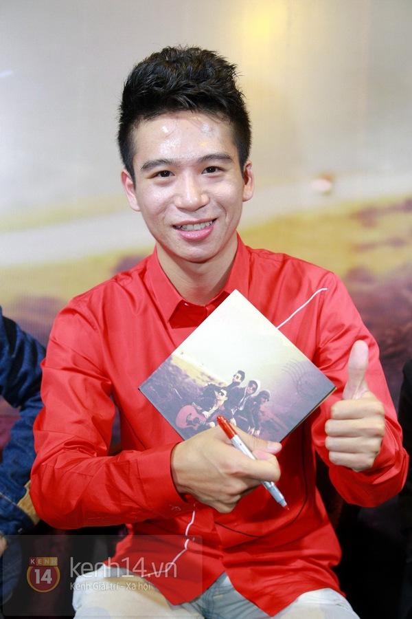 Thiện Thanh cùng bố đi ra mắt album, liveshow Ngũ Cung 15