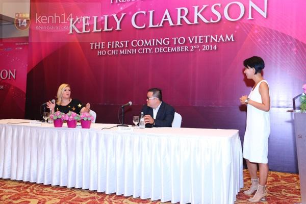 Kelly Clarkson rạng rỡ ra mắt báo giới Việt Nam 5