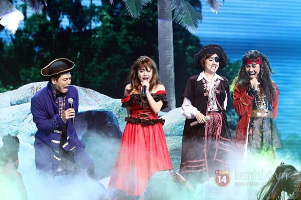 """Bùi Anh Tuấn, Văn Mai Hương... """"hóa điên"""" với hit Bảo Anh 12"""