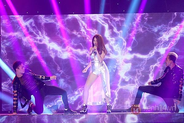 """The Remix: Hà Hồ khen Sơn Tùng M-TP """"Không phải dạng vừa đâu!"""" 17"""