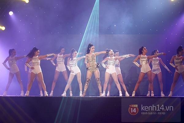 """The Remix: Hà Hồ khen Sơn Tùng M-TP """"Không phải dạng vừa đâu!"""" 23"""