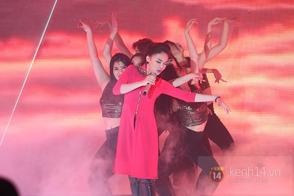 """The Remix: Hà Hồ khen Sơn Tùng M-TP """"Không phải dạng vừa đâu!"""" 25"""