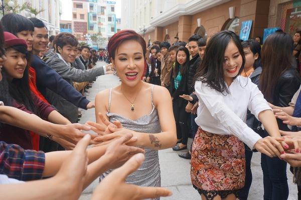 """Uyên Linh, Hoàng Quyên tham gia lựa chọn """"Vietnam Idol"""" mùa 6 5"""