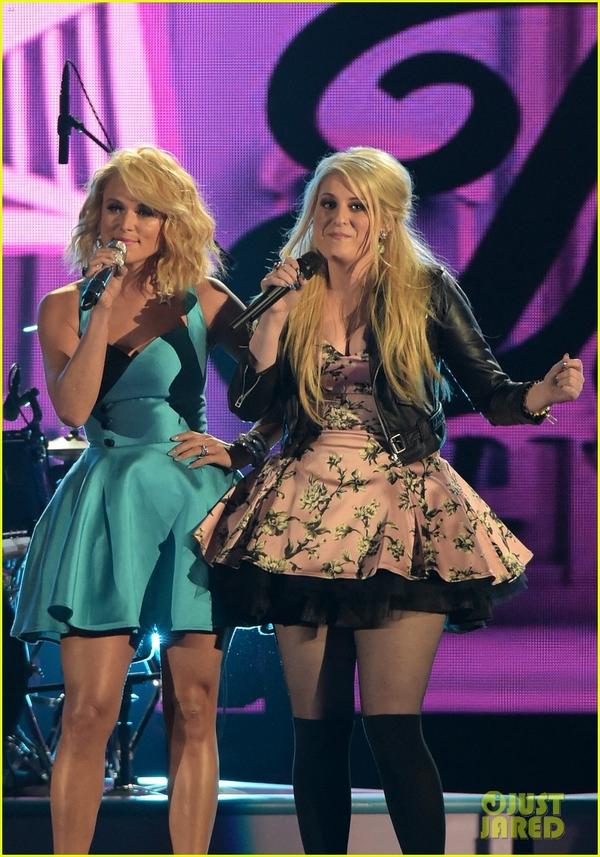 Lễ trao giải nhạc Đồng quê vắng bóng Taylor Swift 4