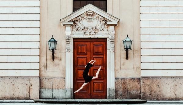 """Tìm hiểu nghệ thuật múa Ballet qua bộ ảnh """"nhảy nhót"""" thú vị 2"""