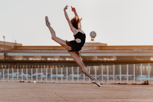 """Tìm hiểu nghệ thuật múa Ballet qua bộ ảnh """"nhảy nhót"""" thú vị 3"""