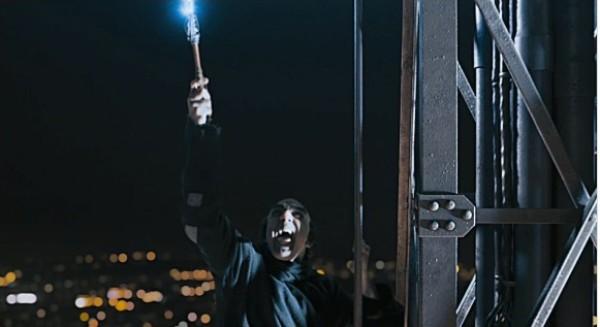 """Cười ngất ngư với lão phù thủy trong """"Xì Trum 2"""" 1"""