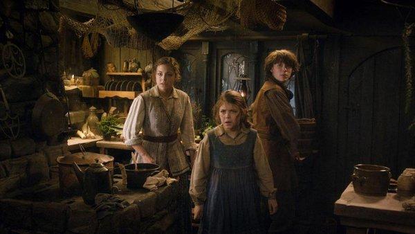 """Rồng khổng lồ của """"The Hobbit"""" chu du thế giới cùng Boeing 777 11"""