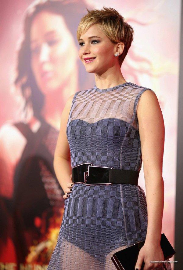 """""""Jennifer Lawrence bị bắt làm việc như nô lệ"""" 4"""