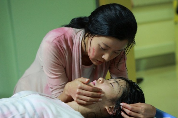 Lạm dụng trẻ vị thành niên - Đề tài nóng trong phim Hàn 3