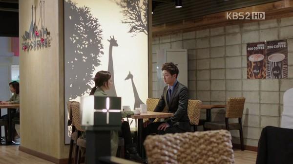 """Những quảng cáo """"trắng trợn"""" trên phim Hàn 13"""