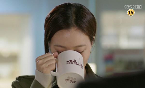 """Những quảng cáo """"trắng trợn"""" trên phim Hàn 14"""