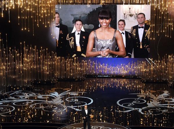 """""""Argo"""" vô địch Oscar, Nữ chính xuất sắc vấp ngã khi lên nhận giải 51"""