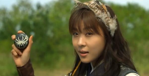 """""""Đả nữ"""" Ha Ji Won trổ tài múa bụng 3"""