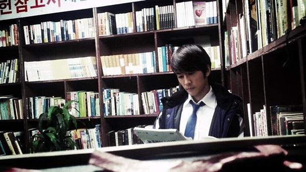 """""""Người đàn ông cô đơn"""" Song Seung Hun 1"""