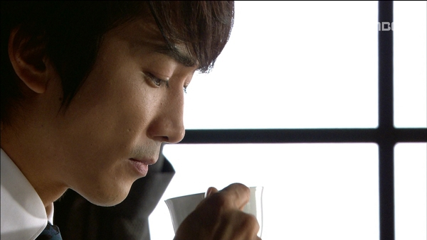 Song Seung Hun ném cả nắm tiền cứu người đẹp 8