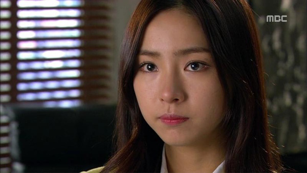 """Được ôm mỹ nhân, Song Seung Hun """"hớn"""" ra mặt 2"""