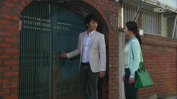"""Shin Se Kyung """"ỡm ờ"""" với lời cầu hôn của Song Seung Hun 2"""