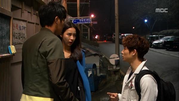 """Biết """"bạn gái"""" hôn trai lạ, Song Seung Hun tái mặt 4"""