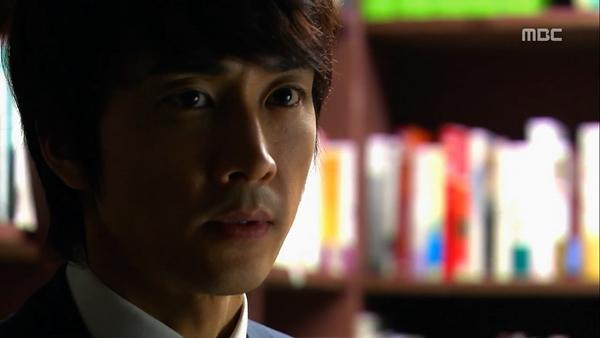 """Biết """"bạn gái"""" hôn trai lạ, Song Seung Hun tái mặt 1"""