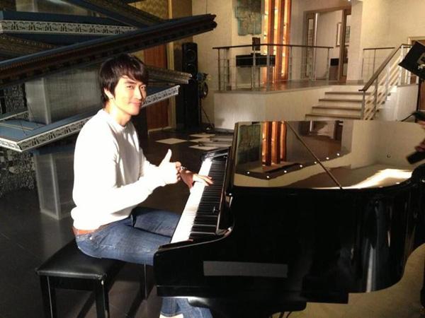 Song Seung Hun lo chăm sóc da để đi hẹn hò 3