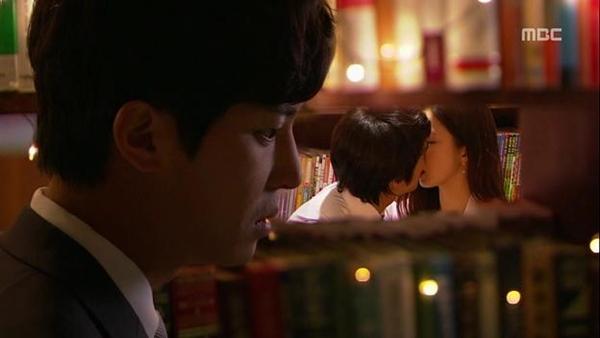 """Song Seung Hun lén lút """"yêu đương"""" tại chỗ làm 5"""