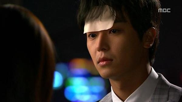 """Seung Hun bị rượt đuổi """"té khói"""" vì phá hoại của công 10"""