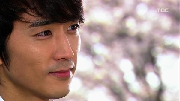"""Seung Hun bị rượt đuổi """"té khói"""" vì phá hoại của công 5"""